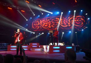 800px-Erasure,_Live_at_Delamere_Forest