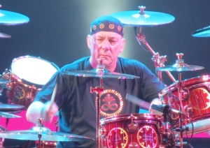 Neil_Peart_performing_at_the_Air_Canada_Centre_on_October_16,_2012
