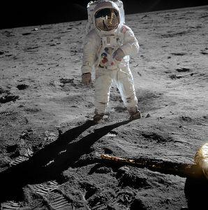 Aldrin_Apollo_11_original