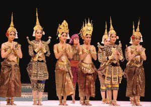 800px-Royal_Ballet_Camboda_Apsara_Mera