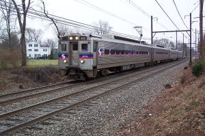 800px-SEPTA-R5-Lansdale-train